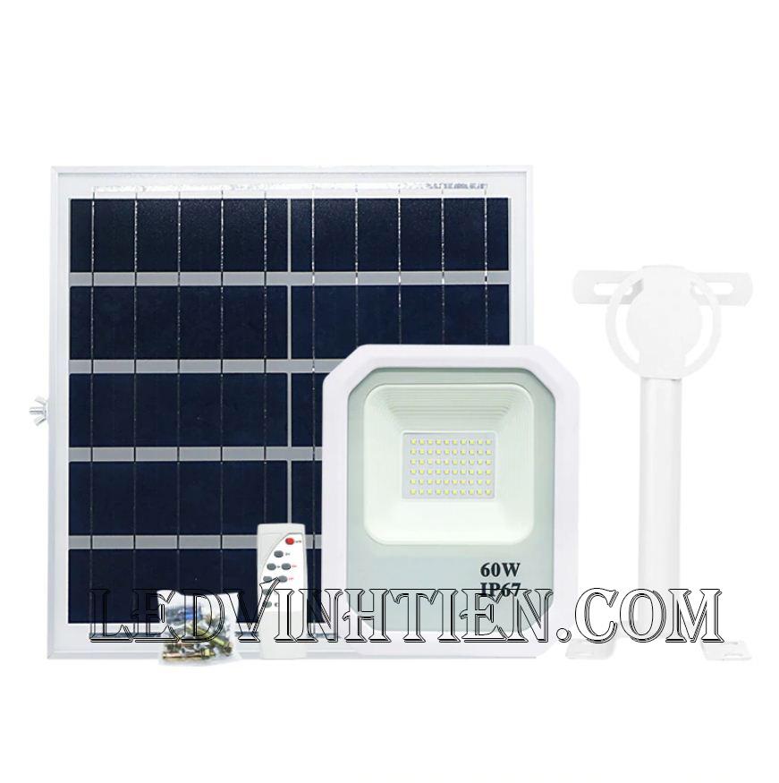 Đèn pha năng lượng mặt trời 100W (Đèn pha năng lượng mặt trời 100W VTHT-PNLMT-002). sử dụng năng lượng mặt trời chiếu sáng từ 3-5 năm không lo tốn tiền điện,  hiêu JINDIAN, Thời gian chiếu sáng đến 10-12 giờ liên tục,  Đèn có tính năng tự động bật khi trời tối và tắt khi trời sáng.  Lắp đặt dễ dàng, phù hợp mọi địa hình,  Thắp sáng suốt đêm, tránh xa sự dòm ngó của trộm cắp  Kèm theo điều khiển bật/tắt từ xa và chế độ hằng giờ hiện đại giúp cuộc sống của bạn dễ dàng và tiện lợi hơn bao giờ hết.  Tấm pin công nghệ Poly, tuổi thọ lên đến 10-12 năm. Thích hợp lắp đặt trong nhà, các ki ốt, nhà hàng, trên tàu thuyền. sản phẩm đèn năng lượng dùng ngoài trời, loại tốt, giá rẻ, chất lượng, siêu sáng, cảm úng chuyển động, chính hãng ledvinhtien.com