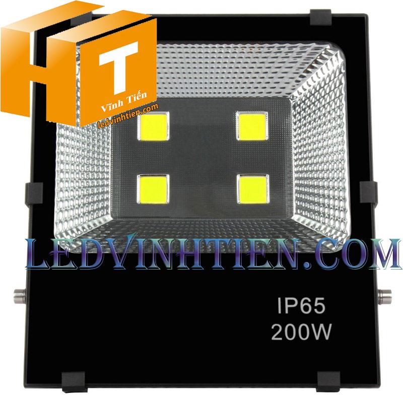 Hình ảnh chi tiết mọi góc cạnh của Đèn pha led kim cương 200W loại tốt, giá rẻ, đủ công suất, dùng chiếu sáng ngoài trời là sản phẩm của công ty đèn led Vĩnh Tiến, nhập khẩu và phân phối sỉ đèn pha chiếu xa, mã đèn DPLVD-100W-VTHT ledvinhtien.com được sử dụng cho chiếu sáng biển quảng cáo, sân chơi thể thao, chiếu sáng cho các nhà xưởng, bảng hiệu, bảng quảng cáo,chiếu sáng công cộng,chiếu sáng sân vườn, IP66, 67, 65, ÁNH SÁNG TRẮNG, VÀNG   Góc chiếu 60 độ   LEDVINHTIEN.COM chuyên đèn led công nghiệp chiếu sáng xa, rộng, chiếu sáng bảng hiệu, chiếu sáng bảng quảng cáo DÙNG CHIẾU SÁNG NGOÀI TRỜI, SÂN VẬN ĐỘNG, SÂN BANH, QUẢNG TRƯỜNG, CÔNG VIÊN,...