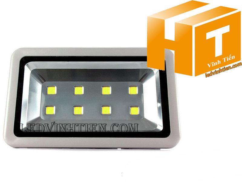 Hình ảnh chi tiết mọi góc cạnh của Đèn pha led 400W vỏ xám loại tốt, giá rẻ, đủ công suất, chip led epistar,  Bridgelux, nichia, philips, dùng chiếu sáng ngoài trời là sản phẩm của công ty đèn led Vĩnh Tiến, nhập khẩu và phân phối sỉ đèn pha chiếu xa được sử dụng cho chiếu sáng biển quảng cáo, sân chơi thể thao, chiếu sáng cho các nhà xưởng, bảng hiệu, bảng quảng cáo,chiếu sáng công cộng,chiếu sáng sân vườn, IP66, 67, 65, ÁNH SÁNG TRẮNG, VÀNG   Góc chiếu 130 độ   LEDVINHTIEN.COM. Công ty chúng tôi chuyên đèn led công nghiệp chiếu sáng xa, rộng, chiếu sáng bảng hiệu, chiếu sáng bảng quảng cáo DÙNG CHIẾU SÁNG NGOÀI TRỜI, SÂN VẬN ĐỘNG, SÂN BANH, QUẢNG TRƯỜNG, CÔNG VIÊN,...
