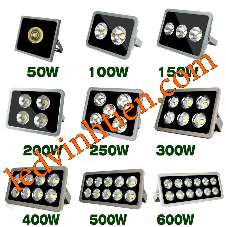 Đèn pha ly 600w, là sản phẩm của công ty đèn led Vĩnh Tiến, nhập khẩu và phân phối sỉ , đèn pha led ly led tụ quang 600W được sử dụng cho chiếu sáng biển quảng cáo, sân chơi thể thao. Đèn pha led 600W chiếu xa - tụ quang ledvinhtien.com chiếu sáng cho các nhà xưởng, bảng hiệu, bảng quảng cáo,chiếu sáng công cộng,chiếu sáng sân vườn Đèn pha led ly sử dụng chip tụ quang công xuất 600W IP66, 67, 65, ÁNH SÁNG TRẮNG, VÀNG   Góc chiếu 60 độ   LEDVINHTIEN.COM chuyên đèn led công nghiệp chiếu sáng xa, rộng, chiếu sáng bảng hiệu, chiếu sáng bảng quảng cáo DÙNG CHIẾU SÁNG NGOÀI TRỜI, SÂN VẬN ĐỘNG, SÂN BANH, QUẢNG TRƯỜNG, CÔNG VIÊN,...