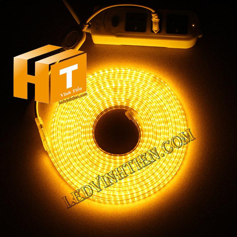 ledvinhtien.com hình ảnh chụp mọi góc cạnh của đèn led dây 220V chíp led 5050 ánh sáng màu trắng loại tốt, giá rẻ, chất lượng, siêu sáng, dùng chiếu sáng ngoài trời, hắt trần, quấn cây, trang trí nội thất, ngoại thất, chiếu sáng công viên, xem thêm led dây màu vàng