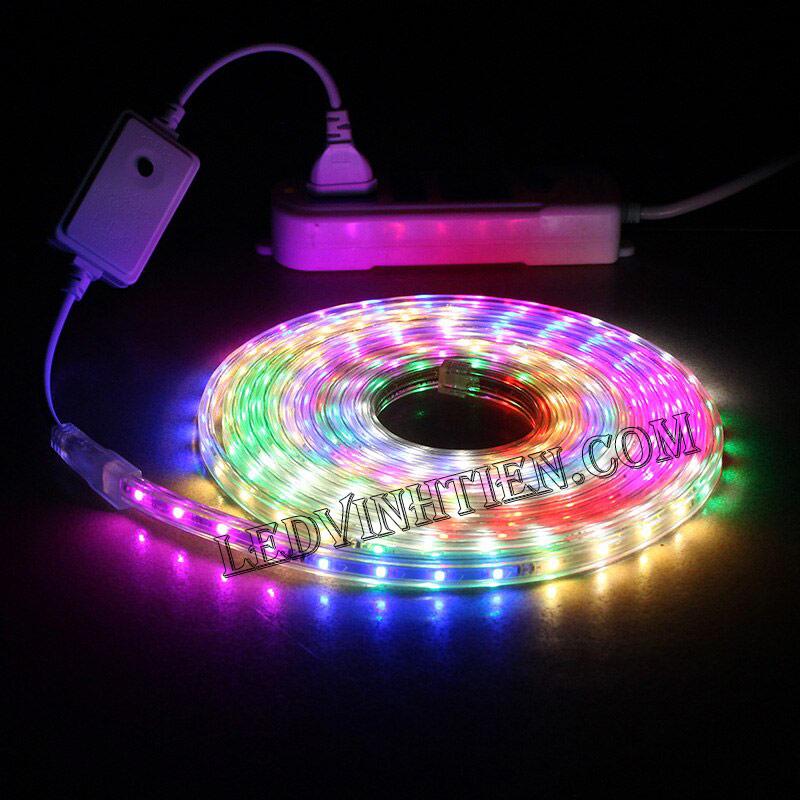 ledvinhtien.com hình ảnh chụp mọi góc cạnh của đèn led dây 220V chíp led 5050 ánh sáng màu trắng loại tốt, giá rẻ, chất lượng, siêu sáng, dùng chiếu sáng ngoài trời, hắt trần, quấn cây, trang trí nội thất, ngoại thất, chiếu sáng công viên, xem thêm led dây đủ màu
