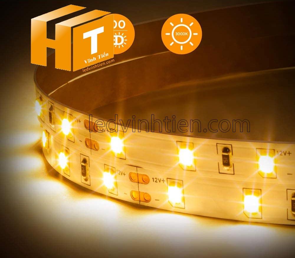 Ảnh chụp nhiều góc cạnh của đèn LED DÂY DÁN chip SMD 5050, 2835 chíp led đôi, hai hàng led ánh sáng màu vàng siêu sáng là loại led dây dán cuộn dài 5m, chạy điện 12V, dùng chiếu sáng nội thất, tủ kệ, quầy bar, bếp, hắt trần, trang trí quán cà phê, ledvinhtien.com